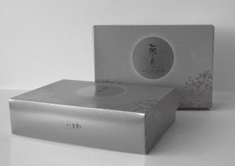 『菓匠三全 萩の月中秋節 パッケージ』